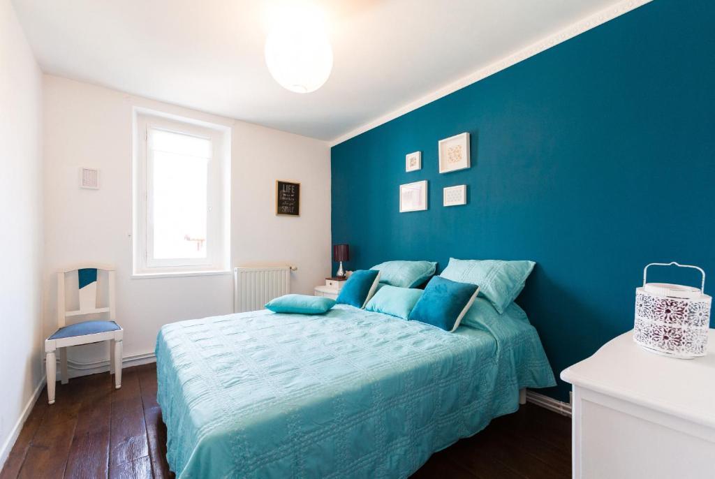 appartements saint front appartement p rigueux. Black Bedroom Furniture Sets. Home Design Ideas