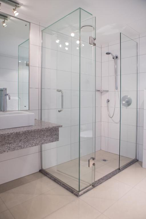 Wellington Hotels With Spa Bath In Room