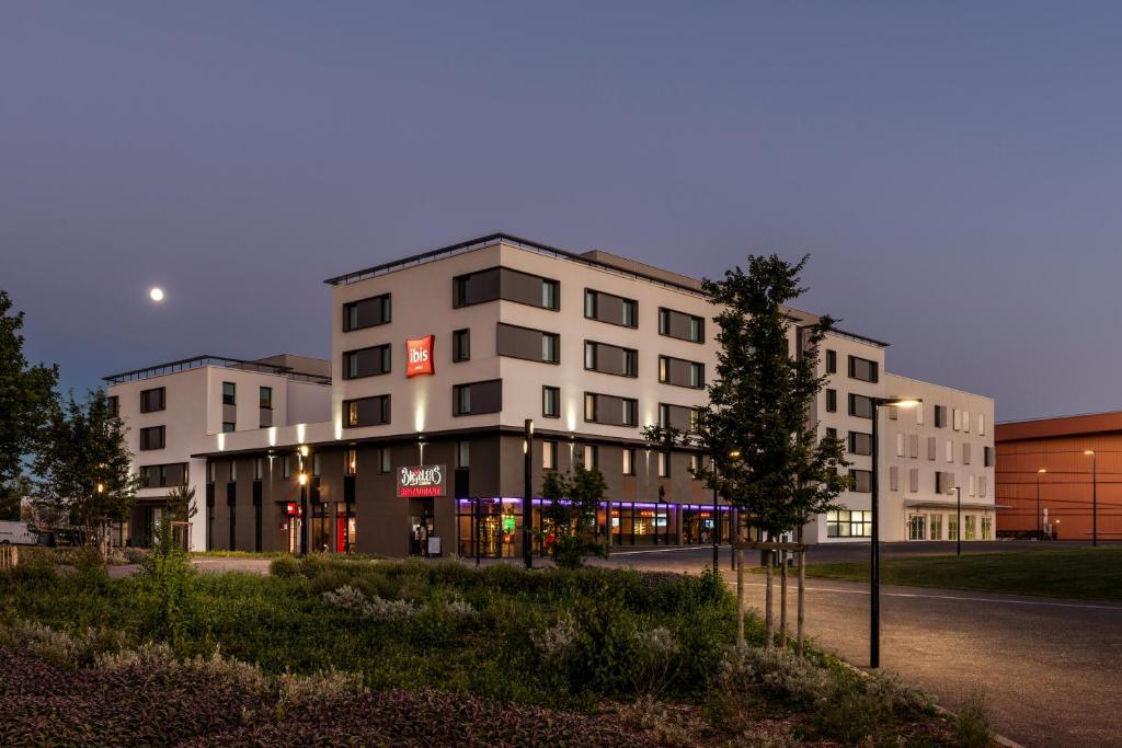 Hotel ibis budget saint quentin en yvelines velodrome montigny le