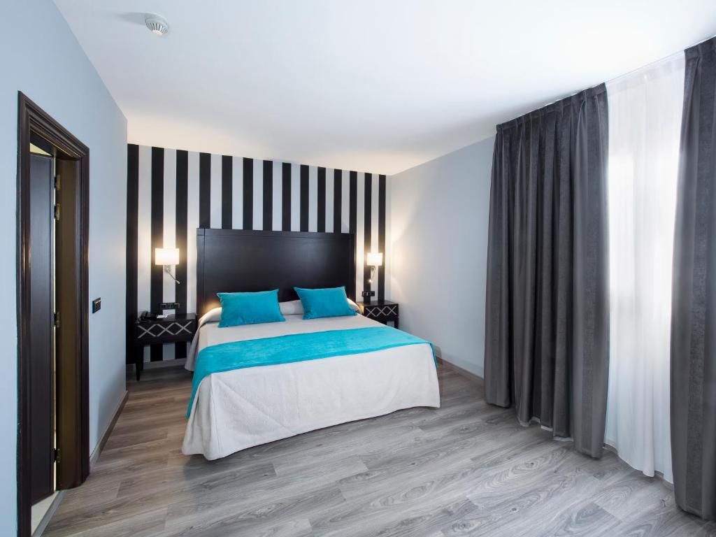 Hotel Zentral Parque Valladolid Book Your Hotel With