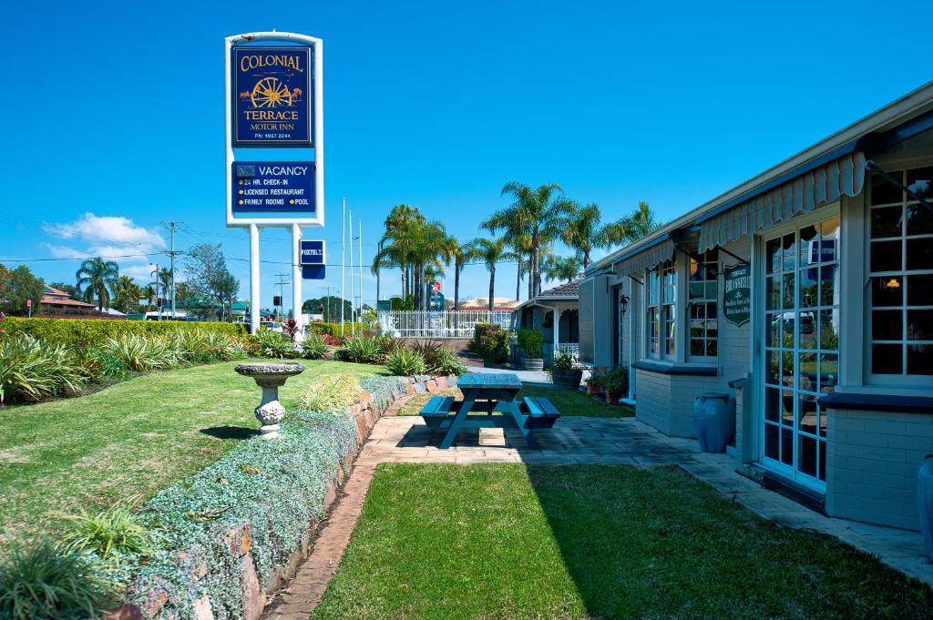 Colonial Terrace Motor Inn Raymond Terrace Book Your Hotel With Viamichelin