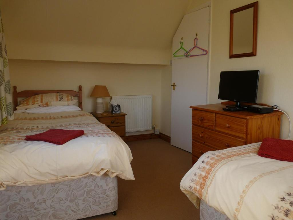 Cosy Twin Room In Brecon Bed Breakfast Brecon