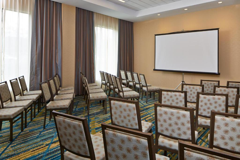 Hilton Garden Inn Boston Marlborough Marlborough Book Your Hotel With Viamichelin