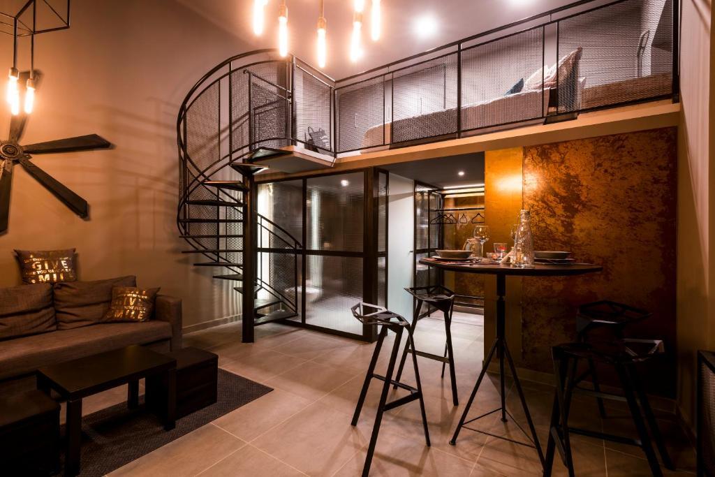 Rusty Loft Bar Loft Apartment Apartments Budapest