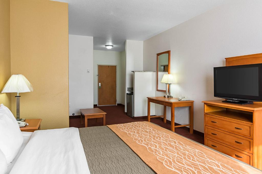 Comfort Inn Amp Suites Chesapeake Chesapeake