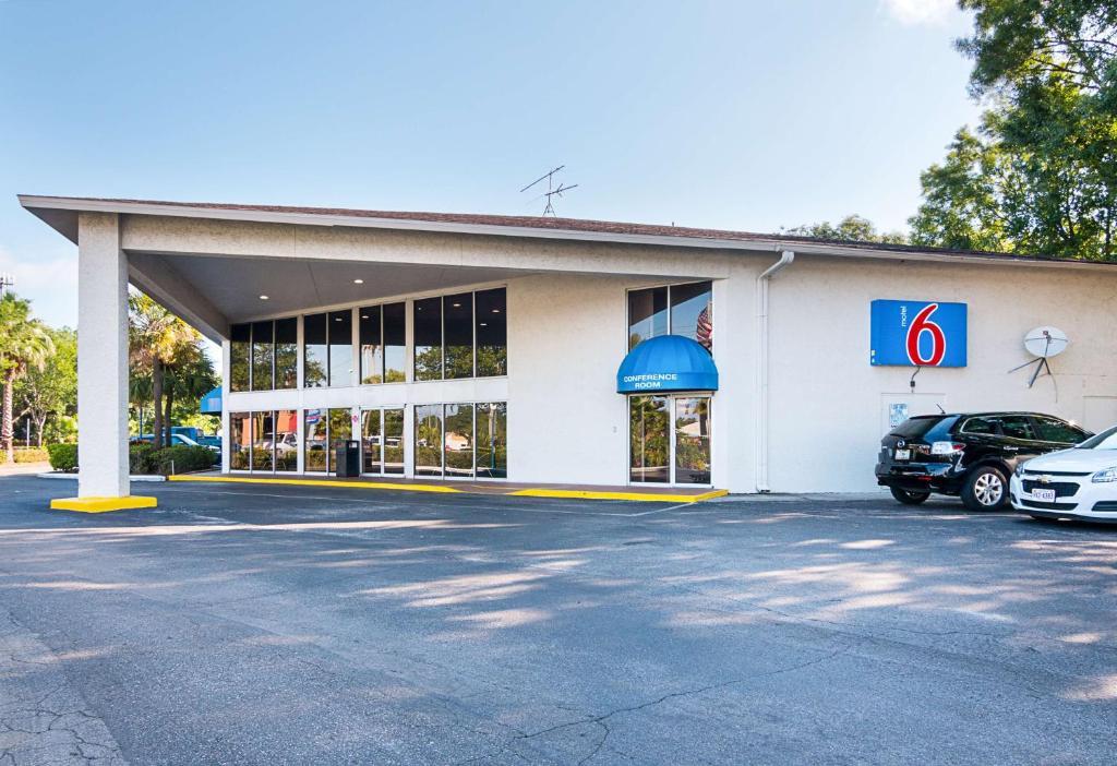 Motel Tampa Fairgrounds Adamo Drive Tampa - Florida state fairgrounds car show