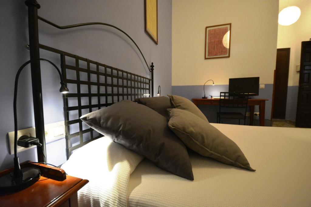 Hotel casa de los azulejos c rdoba online booking for Hotel casa cordoba