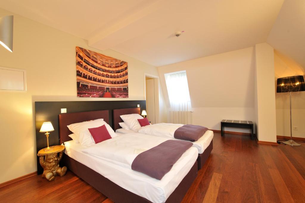 hotel gut landscheid bergisch gladbach informationen und buchungen online viamichelin. Black Bedroom Furniture Sets. Home Design Ideas