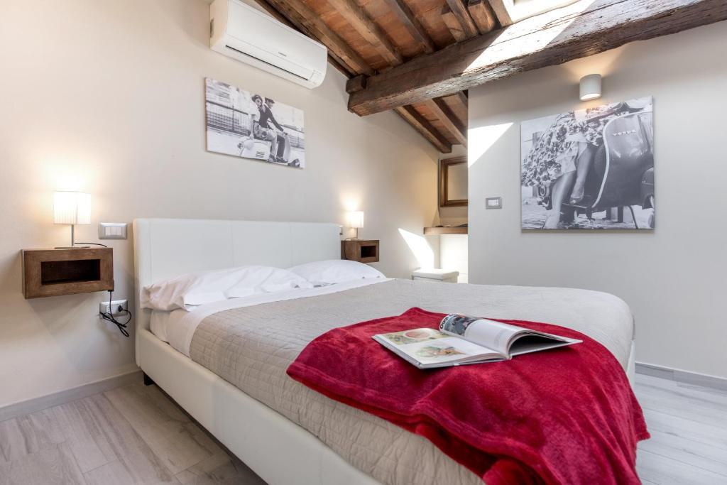 Florence Badkamer Plafond : Home boutique santa maria novella bed breakfast florence