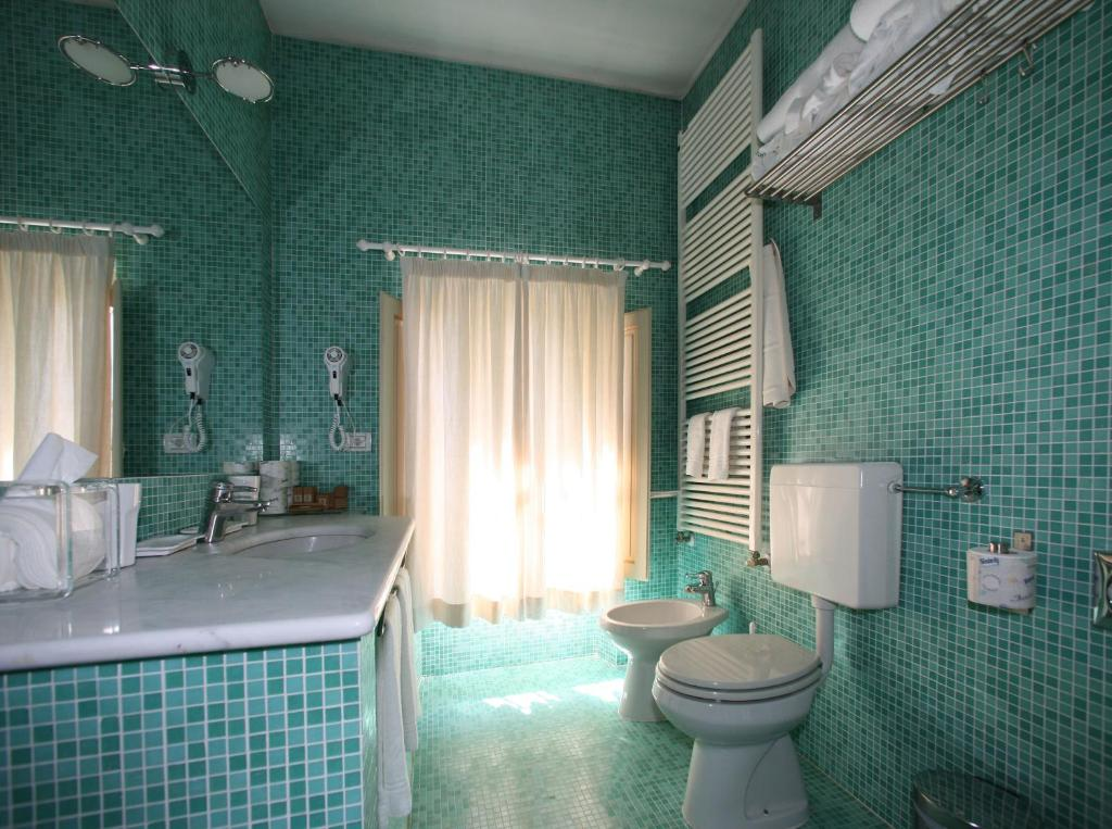 Rivestimento Bagno Mosaico Verde : Piastrelle bagno mosaico verde acqua piastrelle bagno mosaico
