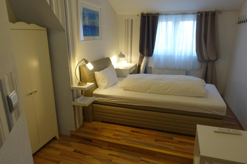 Fehrbelliner Str Hotel Berlin