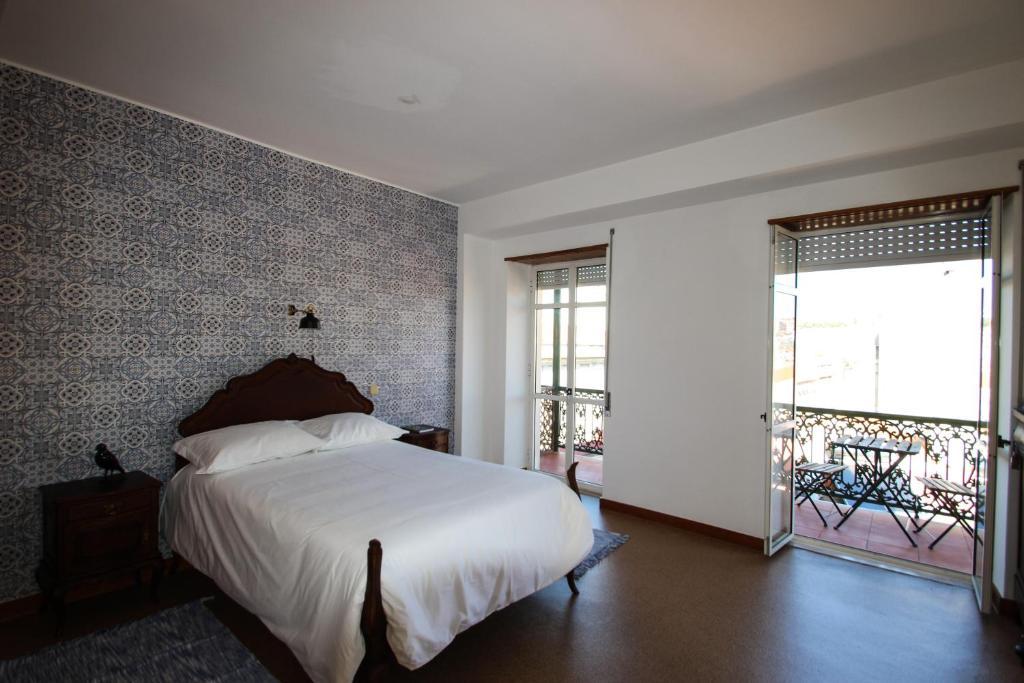boa nova guesthouse chambres d 39 h tes lisbonne. Black Bedroom Furniture Sets. Home Design Ideas