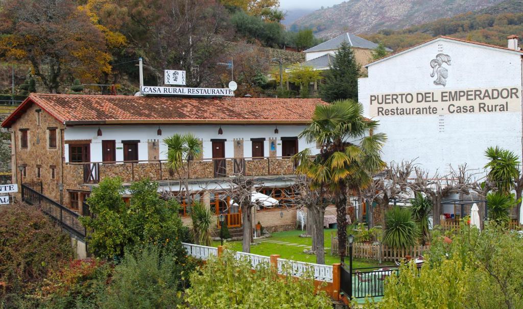 Casa Rural Puerto Del Emperador Bed Breakfast Aldeanueva