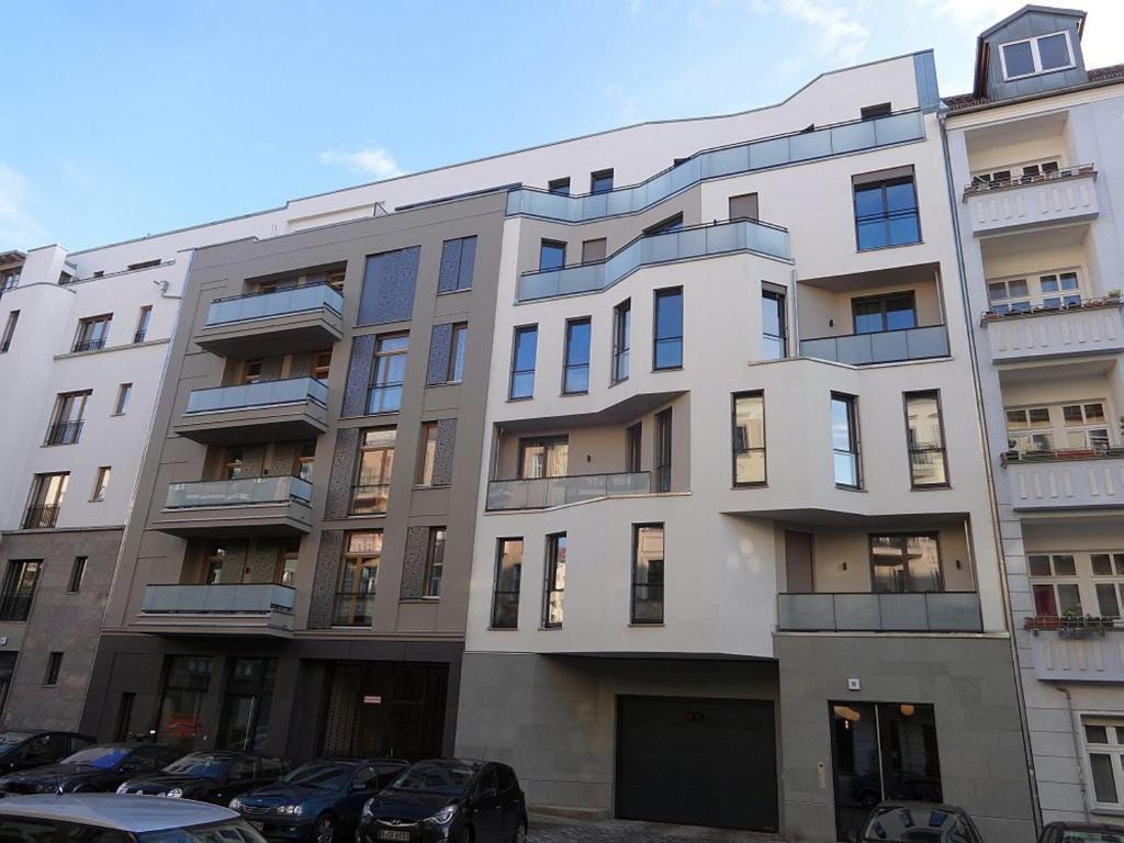 Modern design apartment berlin online booking for 4 design hotel q berlin