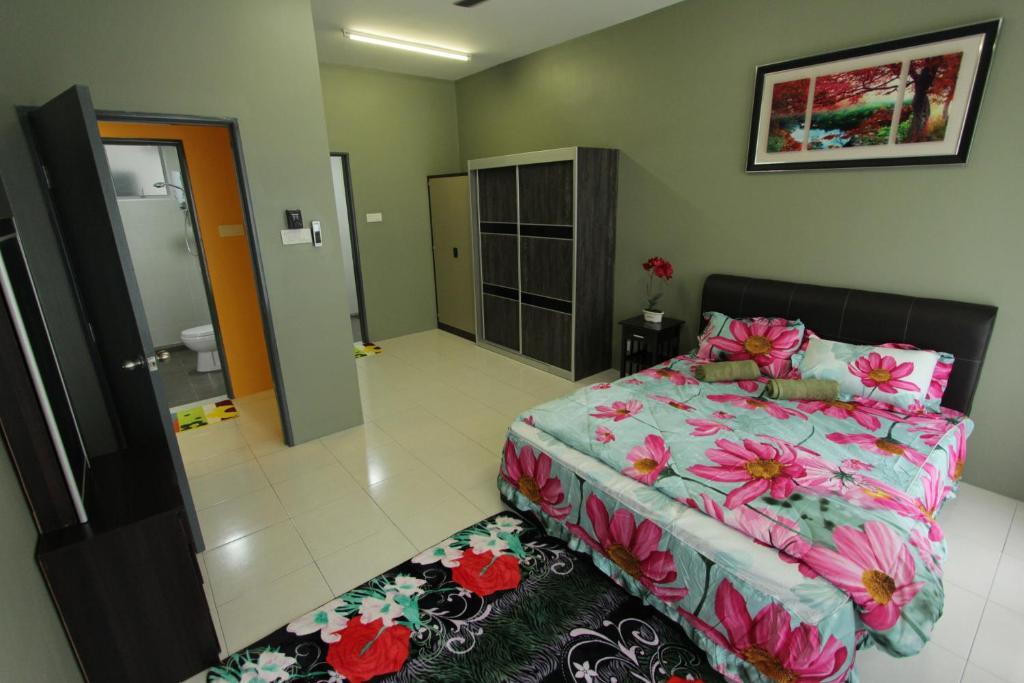 Casa greenery suites 4 bedroom bangi kajang reserva for Case modulari con suite suocera