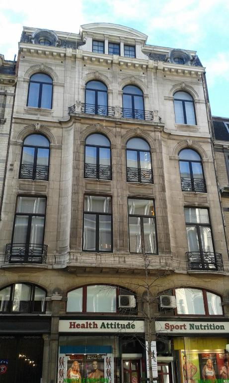 Grand place lombard apartments r servation gratuite sur for Lombard place