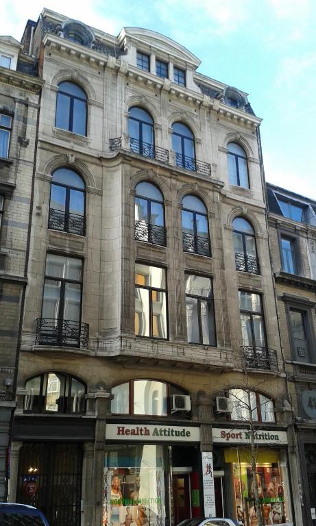 Grand place lombard apartments borsella prenotazione for Lombard place