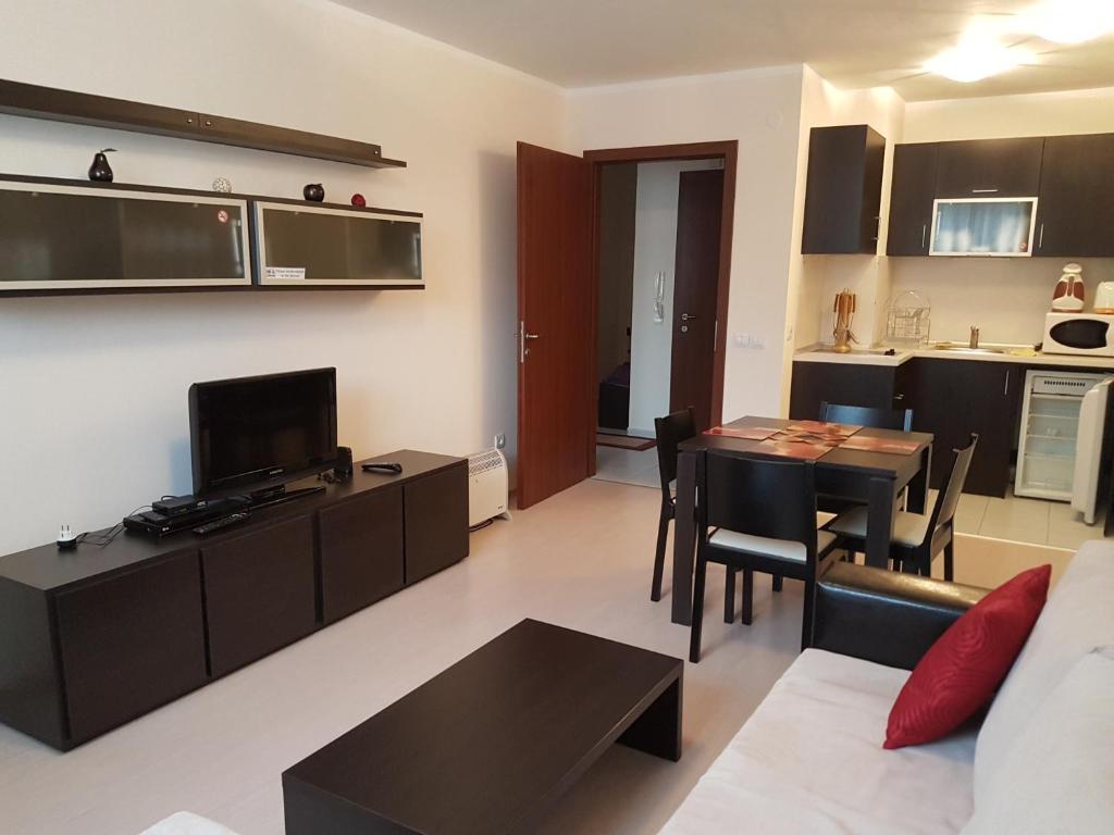 Apartments in borovets gardens samokov informationen for Katzennetz balkon mit alfamar algarve gardens apartments