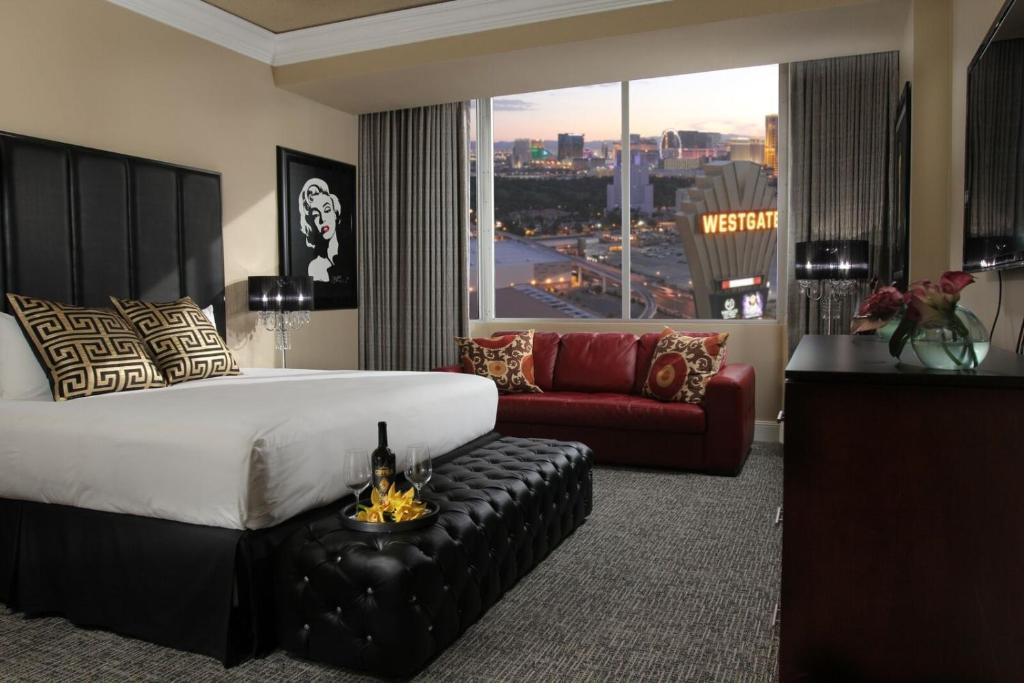 Book Now Westgate Las Vegas Resort & Casino (Las Vegas, United States). Rooms Available for all budgets. From its heated pool to the ultra-comfortable rooms and free parking Westgate Las Vegas Resort & Casino is a supersized bargain. Situated on a 64 acres the hotel offers 2941 s