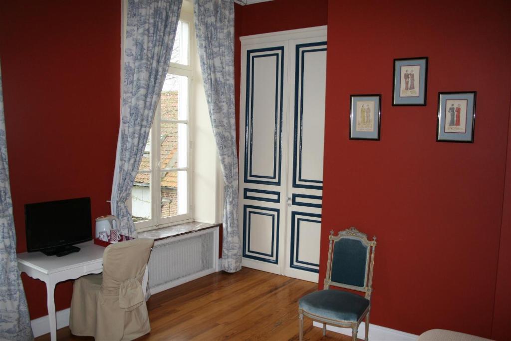 le ch teau de philiomel lillers. Black Bedroom Furniture Sets. Home Design Ideas