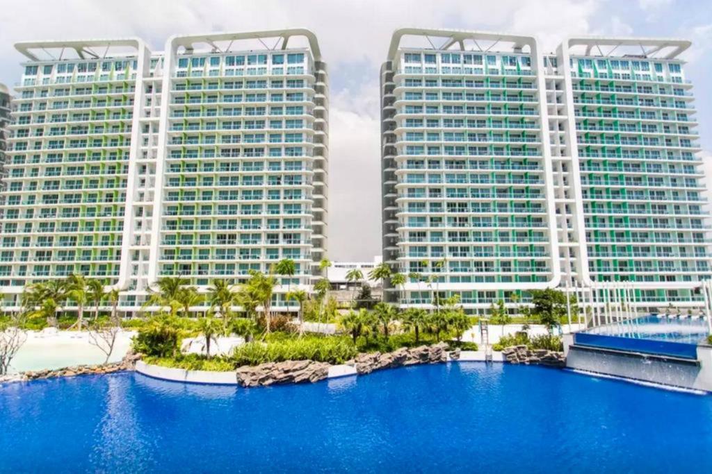 Guardaroba Di Paris Hilton.Azure Paris Hilton Spiaggia Club Appartamenti Manille