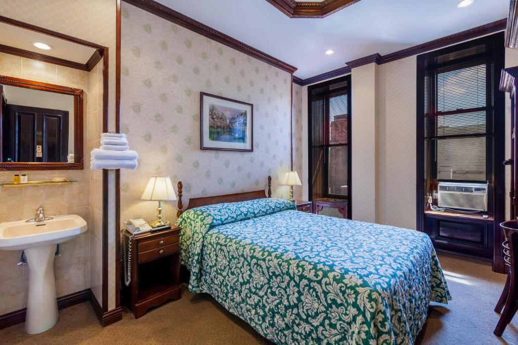 Hotel 17 - Extended Stay - New York - book your hotel with ...