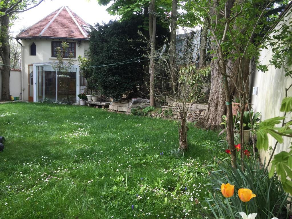 Petite Maison Du Jardin Ferienhaus In Rosny Sous Bois En Seine
