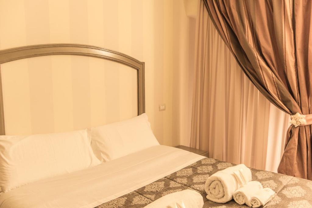 numero dodici alcova 75 r servation gratuite sur viamichelin. Black Bedroom Furniture Sets. Home Design Ideas
