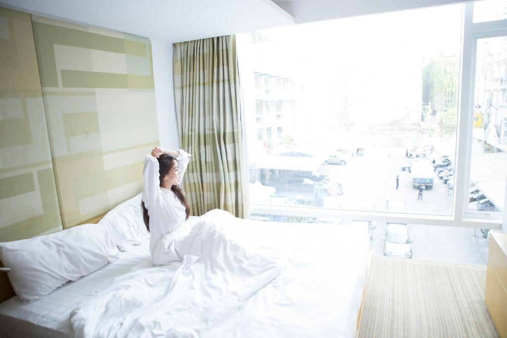 Fenix Hotel Bangkok Booking