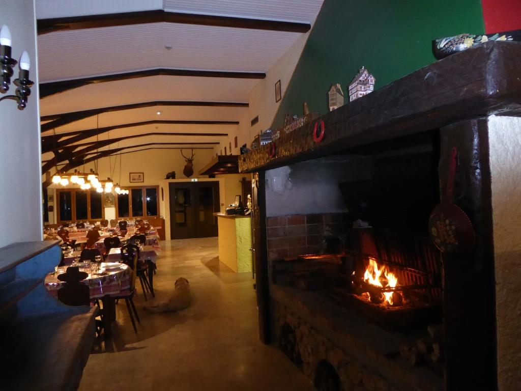 Hotel Restaurant Greolieres Les Neiges