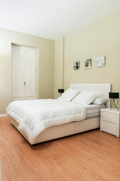 Premium apartments valencia reserva tu hotel con for Habitaciones familiares valencia