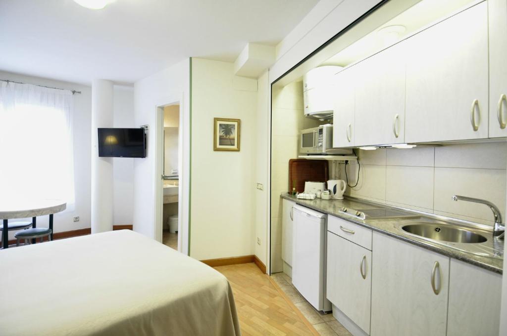 Hotel apartamentos aralso r servation gratuite sur viamichelin - Apartamentos aralso segovia ...