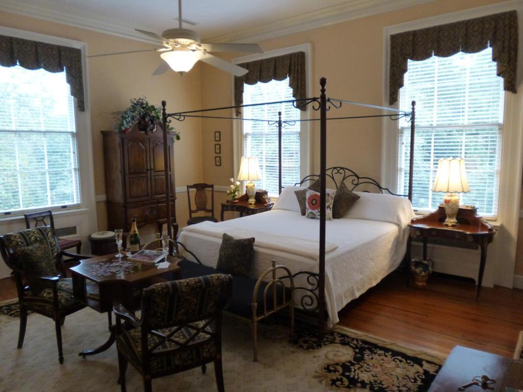 Hotel Rooms In Camden Sc