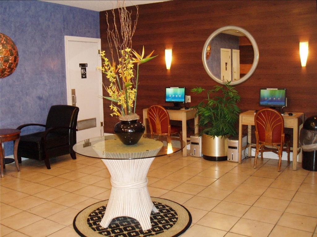 Hotel Red Carpet Inn Airport Fort Lauderdale In Fort