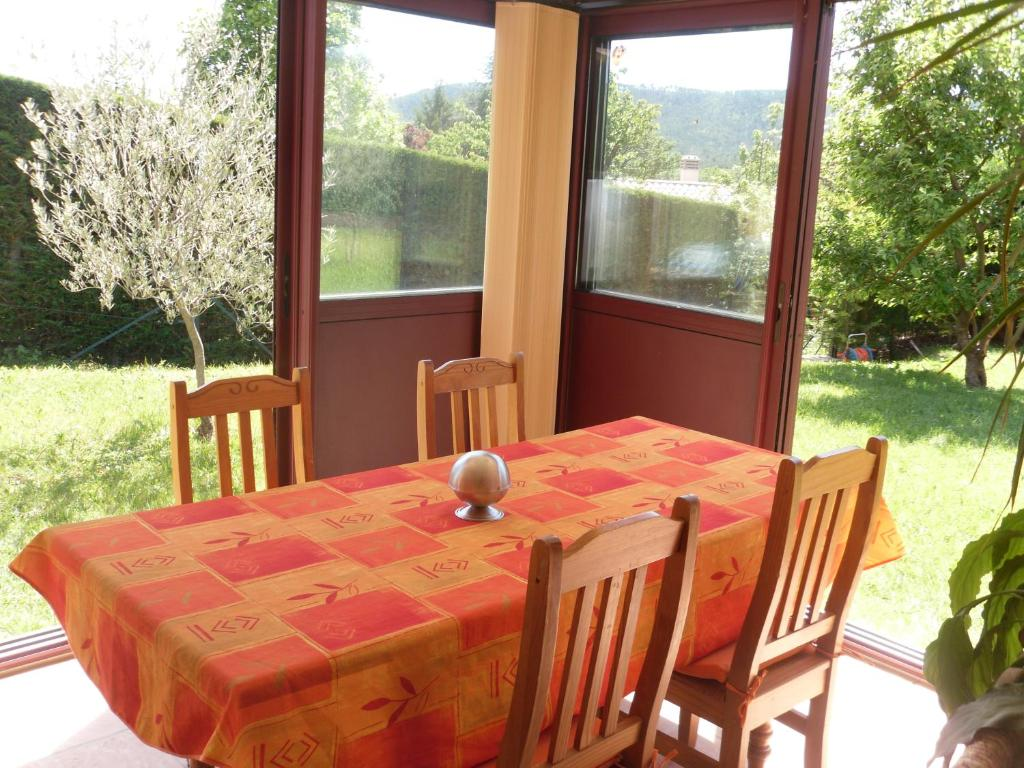 Chambre d 39 h tes l 39 odalyre chambres d 39 h tes moustiers sainte marie - Chambres d hotes moustiers sainte marie ...