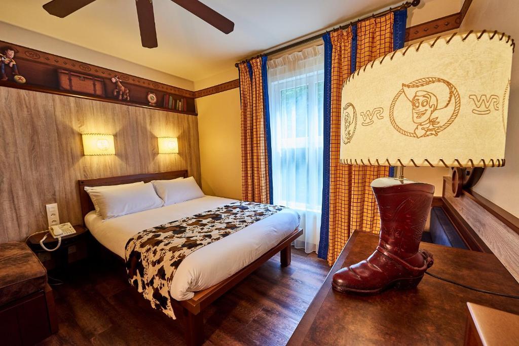 Camere Disneyland Hotel : Disney s hotel cheyenne disneyland