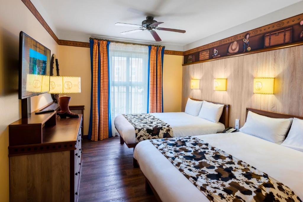 Disneys hotel cheyenne® disneyland