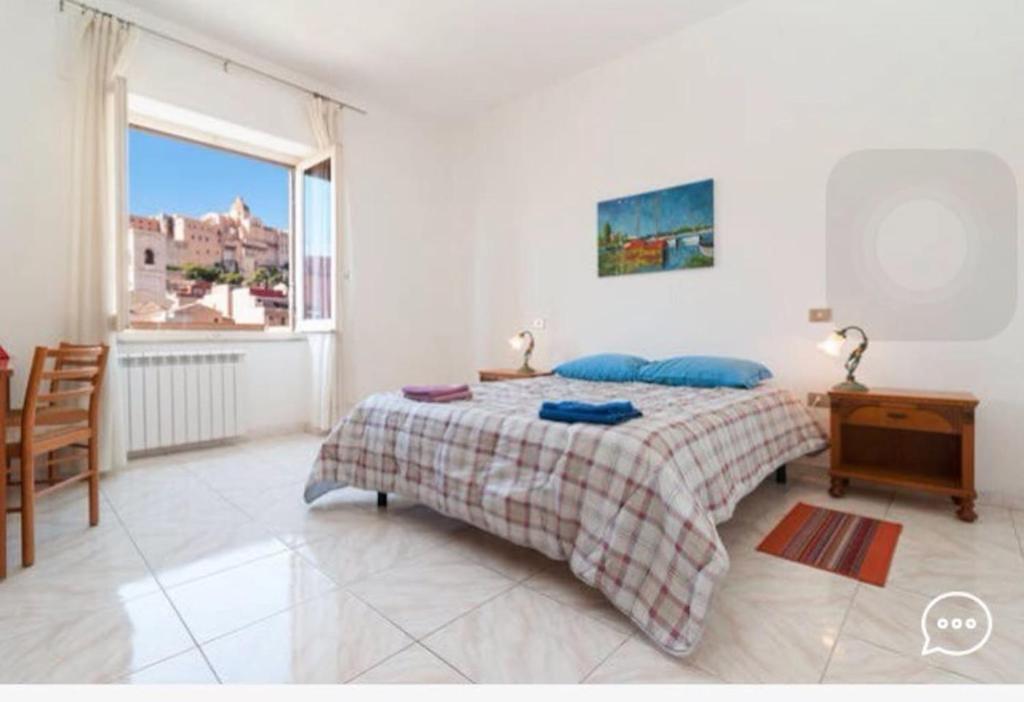 Buffet Italiano Cagliari : Pension vela rooms italien cagliari booking