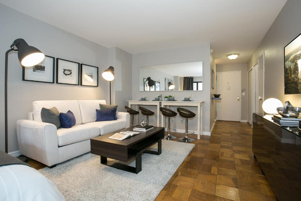 Modern Studio Apartment - Midtown East L - Apartment in New ...