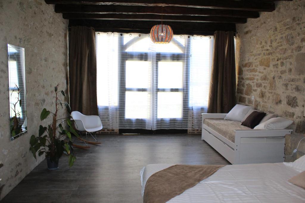 la crois e des vall es r servation gratuite sur viamichelin. Black Bedroom Furniture Sets. Home Design Ideas