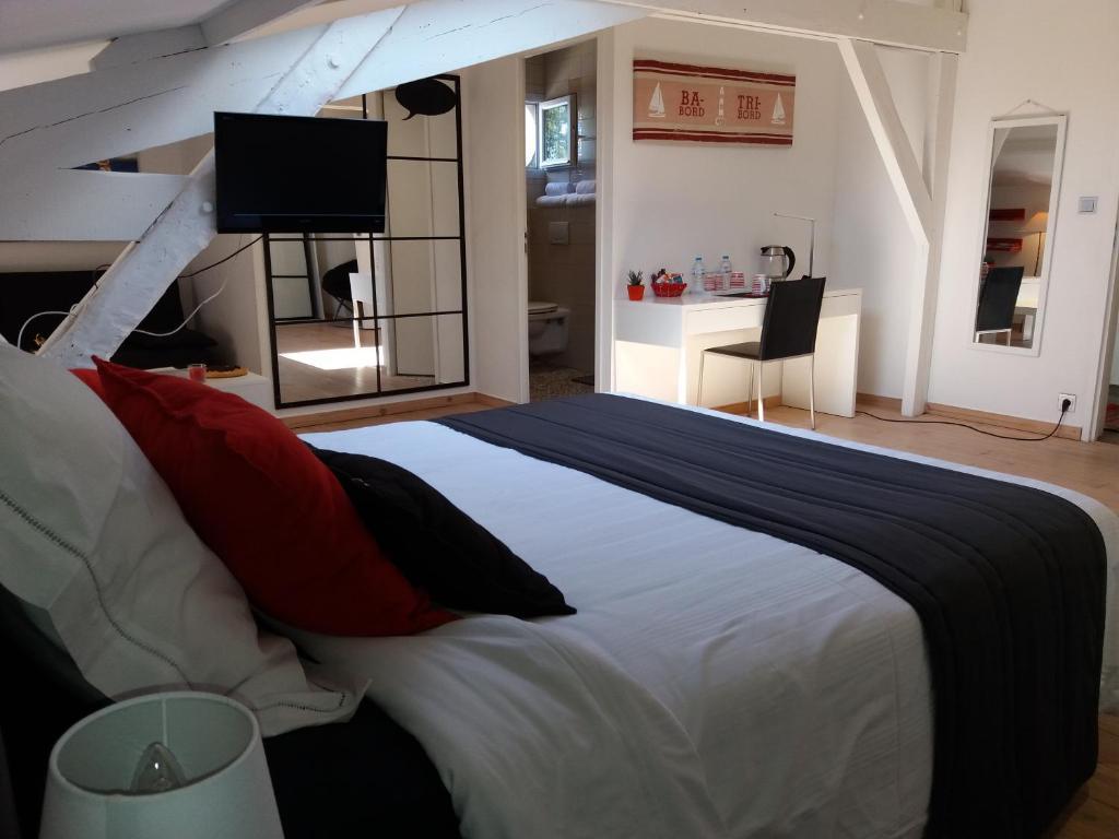 chambres d 39 h tes royan centre chambres d 39 h tes royan en charente maritime 17. Black Bedroom Furniture Sets. Home Design Ideas