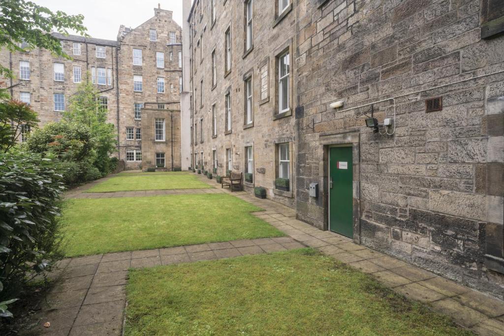 Fountain Court Apartments Edinburgh