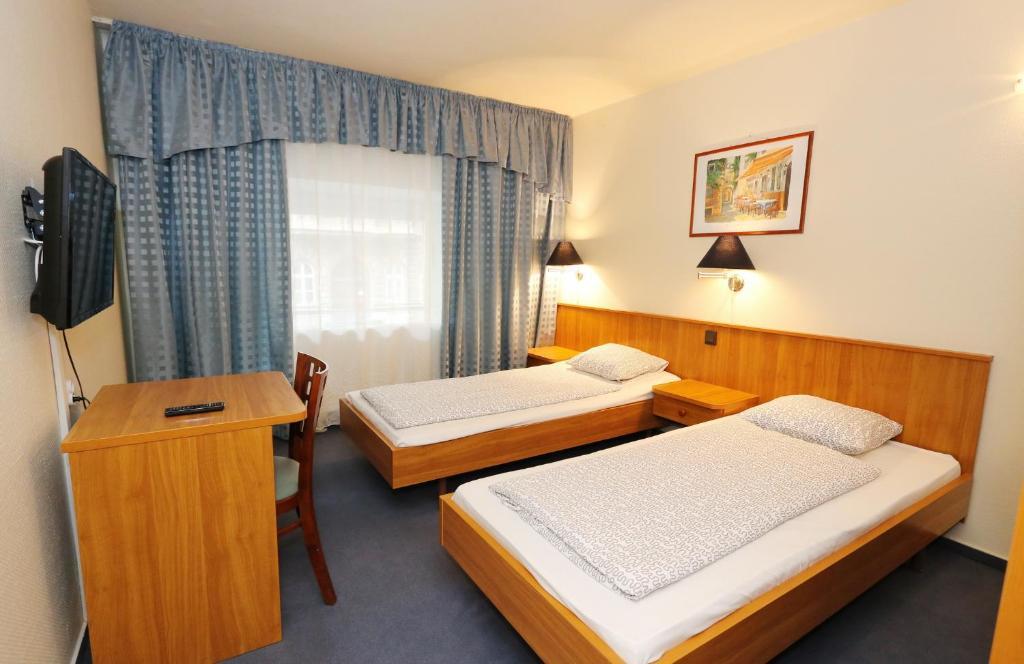 mezzo budapest budapest online booking viamichelin. Black Bedroom Furniture Sets. Home Design Ideas