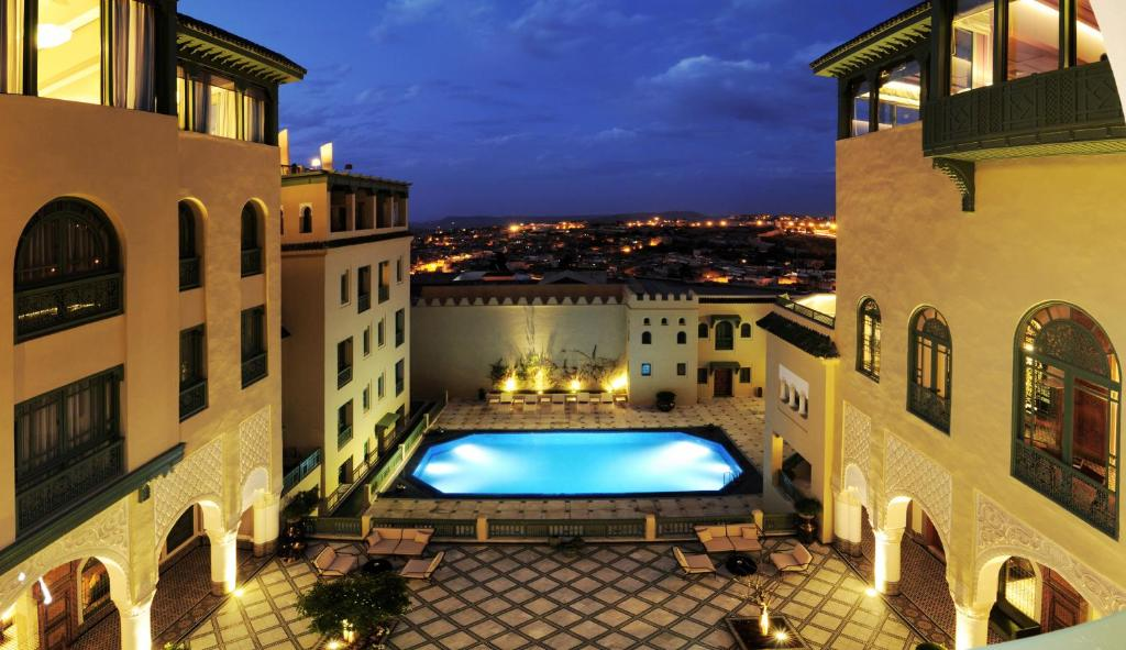 Palais faraj suites spa r servation gratuite sur for Hotel fes piscine