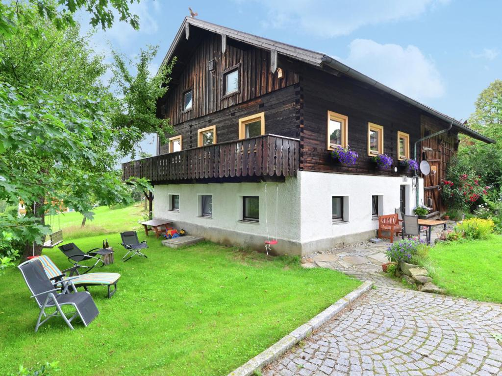 Detached Holiday House In Bavarian Forest Garden Balcony And Open Fireplace Holiday Home Weigelsberg