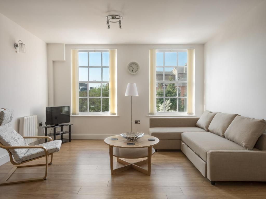 Living Room Center Bedford In.Luxury City Center Apartment Apartment Bedford
