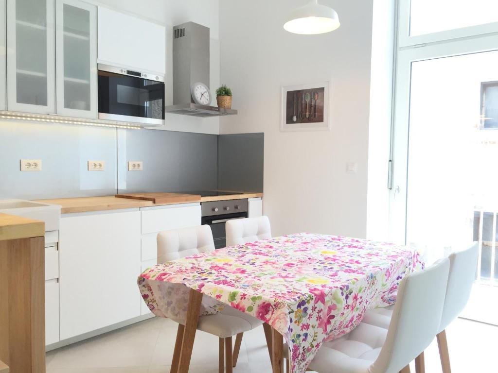 apartman lorenzo apartment zagreb - Central Kitchen Lorenzo