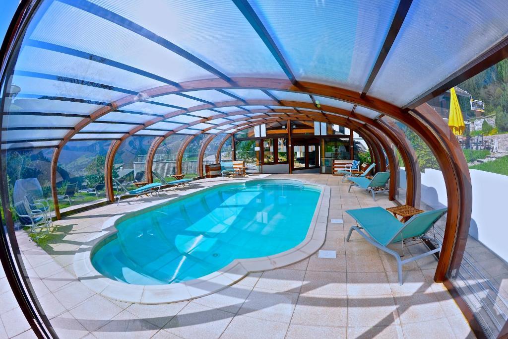 Hotel Restaurant Fleur De Neige Informations And Online Booking