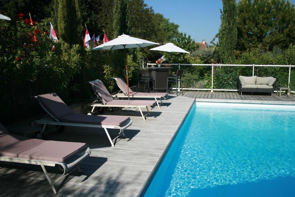 Jade en provence r servation gratuite sur viamichelin - Hotel vaison la romaine piscine ...