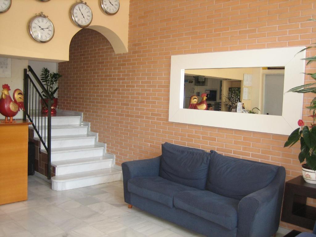 Hostal madruga elche reserva tu hotel con viamichelin for Hostal ciudad jardin